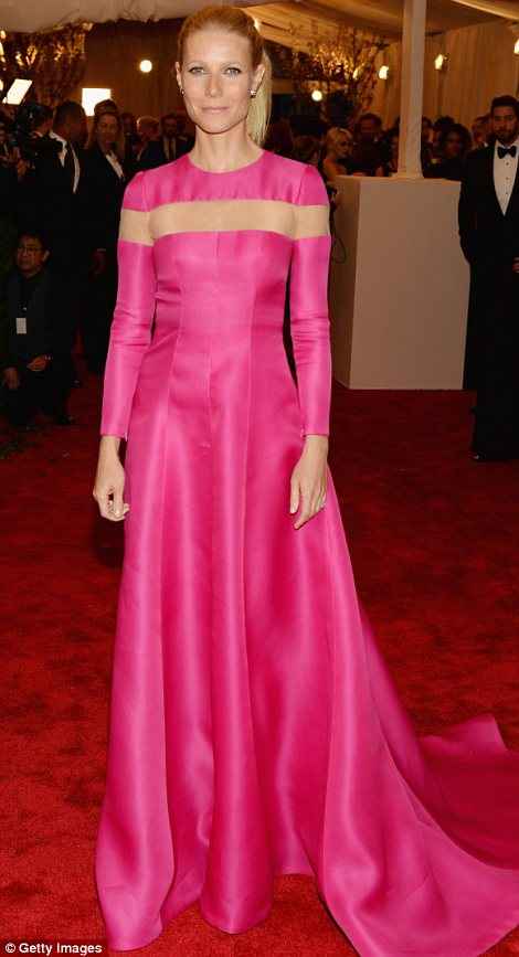 Gywneth  Paltrow in Valentino